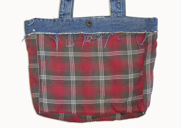 Upcycling Levi's Jeans (minor washed; indigo) into Reversible Tote Bag, reversed back side | Drezier Atelier made for In The Rye second-hand vintage store