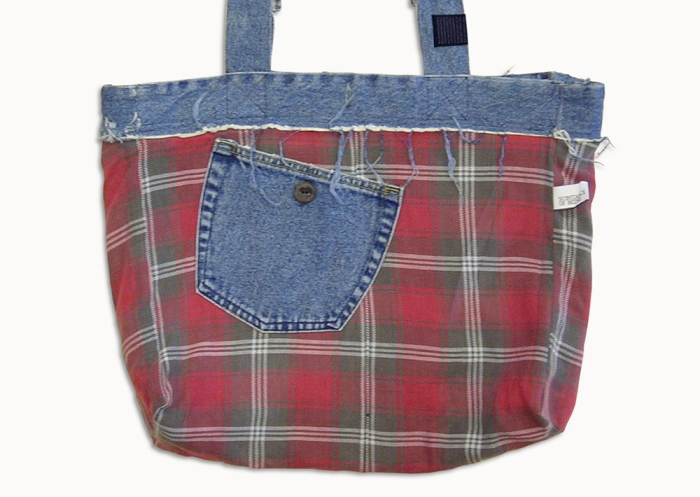 Upcycling Levi's Jeans (minor washed; indigo) into Reversible Tote Bag, reversed front side | Drezier Atelier made for In The Rye second-hand vintage store
