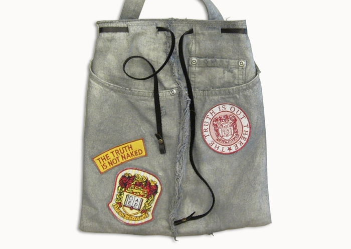 Upcycling Levi's Jeans (sliver painted) into Motif Tote Bag, front side flat on table top | Drezier Atelier made for In The Rye second-hand vintage store