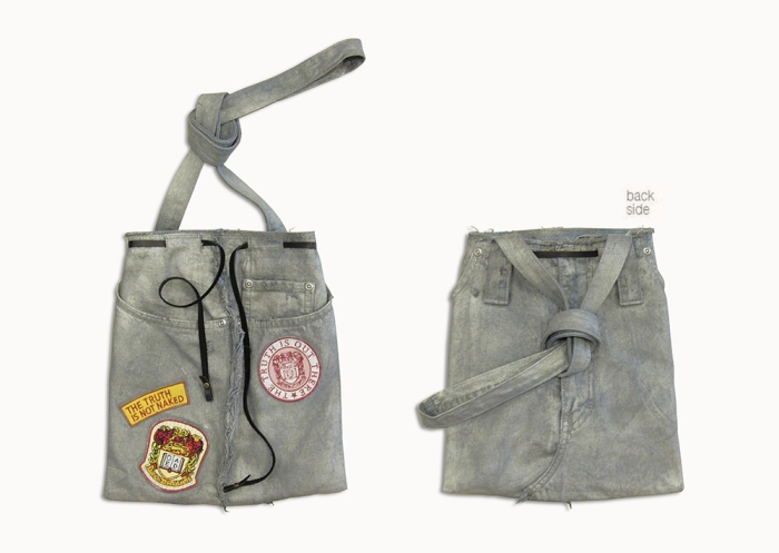 Upcycling Levi's Jeans (sliver painted) into Motif Tote Bag, front and back side | Drezier Atelier made for In The Rye second-hand vintage store